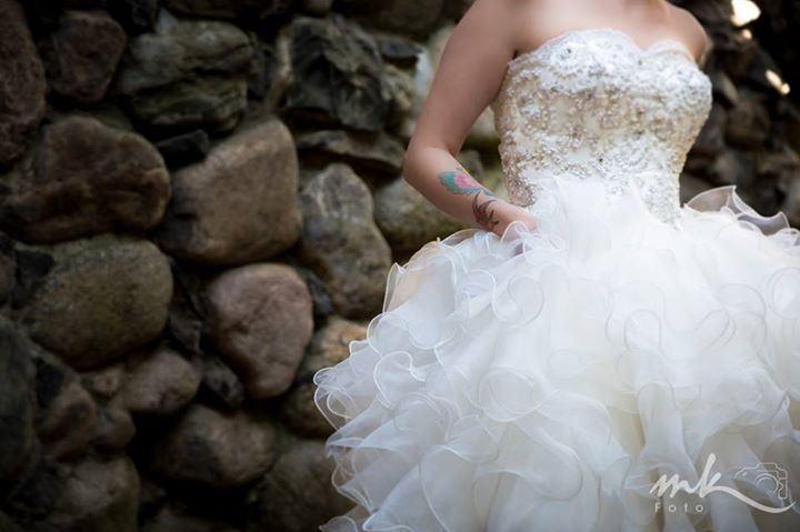 wedding dresses AU