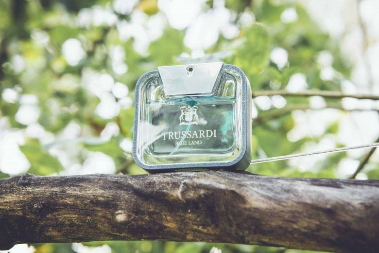 c3d6ff06703 See on limiteeritud koguses valmistatud suvine lõhn Flowerbomb seeriast,  mis tuleb igal aastal välja veidi erinevas pudelis.