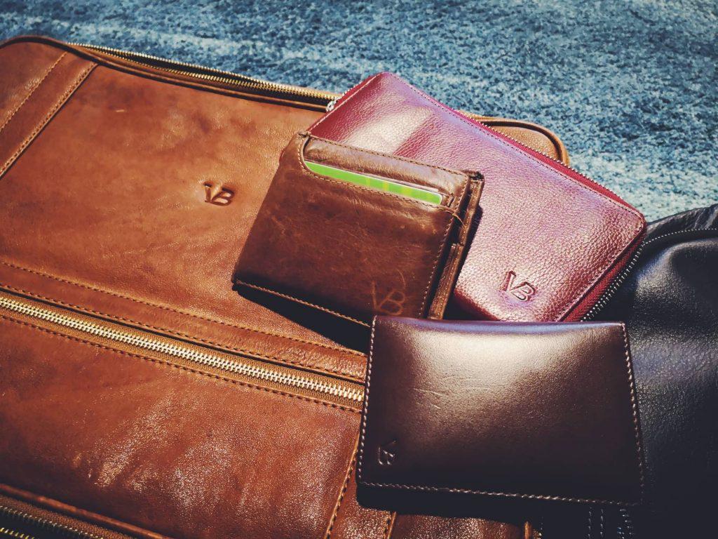 506de6a48b9 Mu isa rahakott on VB oma. Kardo kaarditasku on VB oma. Minu nahast  seljakott on VB oma. Kardol oli ka seljakott, aga kuna minu oma läks  manalateed, ...